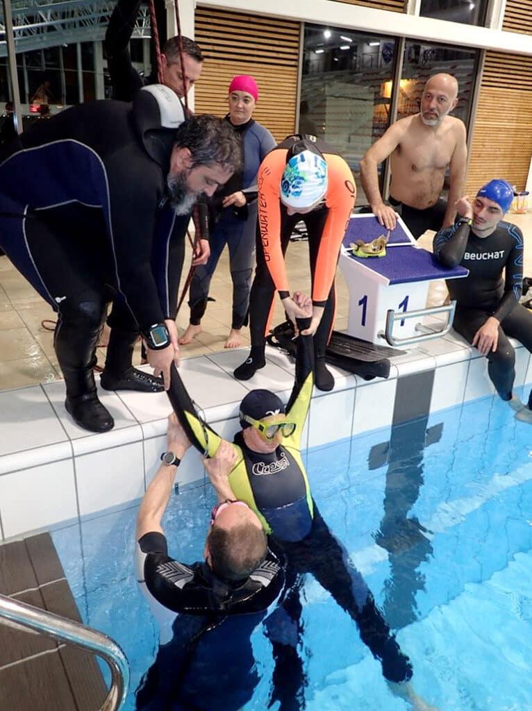 Exercice RIFAP en piscine, prise en charge d'un plongeur en détresse - AixPlo février 2020