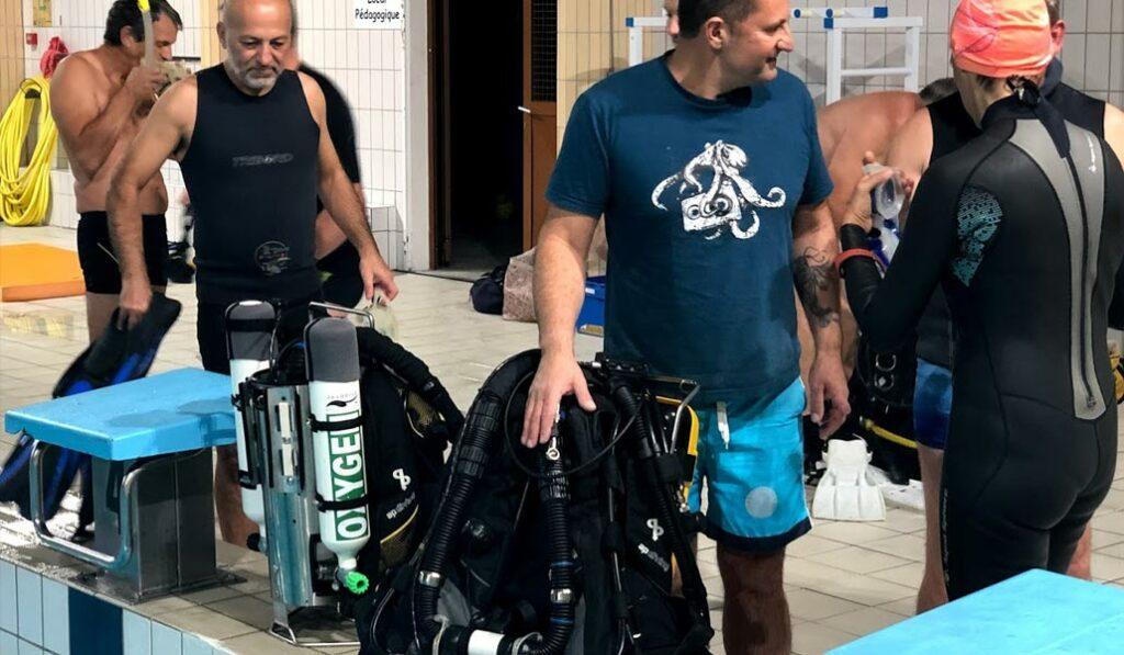 Tout le monde à hâte d'aller à l'eau avec les recycleurs de plongée - AixPlo novembre 2019