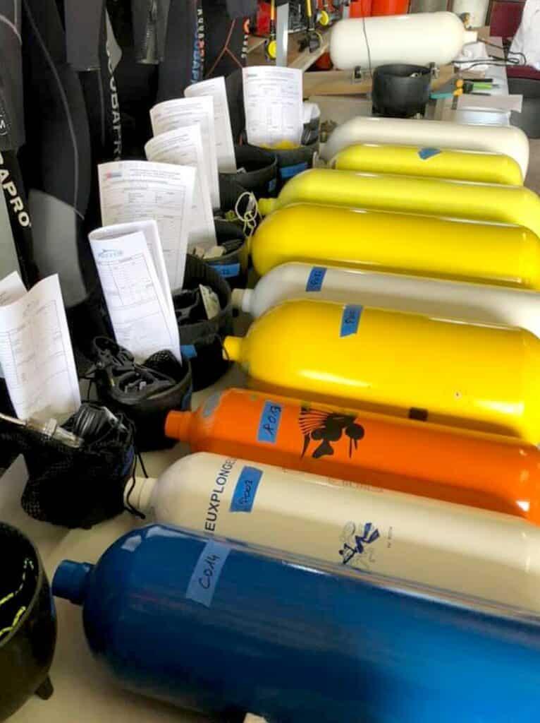 Les blocs de plongées sont prêt à être inspectés - AixPlo février 2020