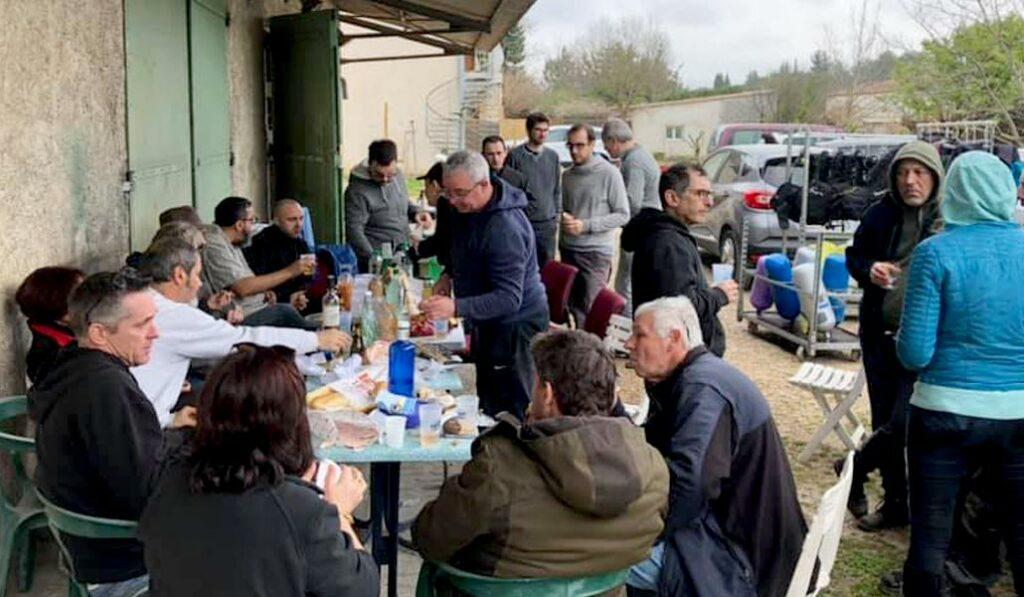 Un bon repas avec l'ensemble des menbres du club - AixPlo février 2020