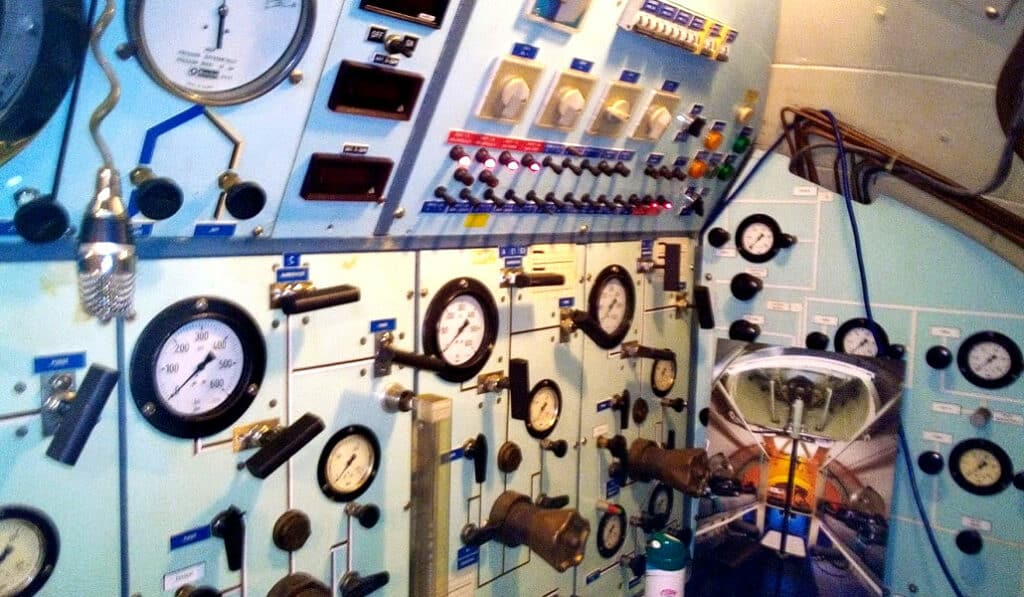Les instruments d'un autre temps du sous-marin SAGA - AixPlo février 2020