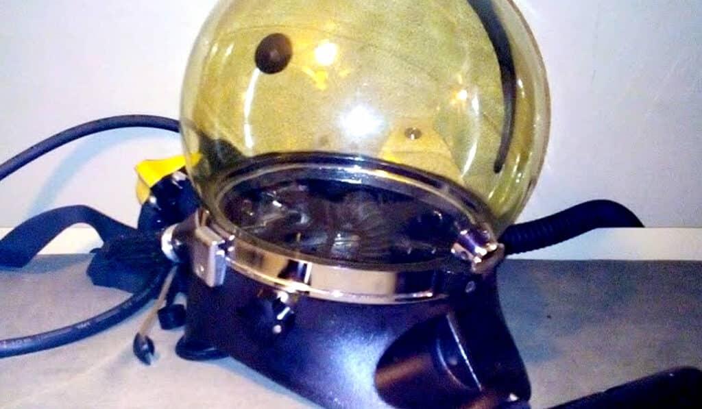Casque de scaphandre des plongeurs du sous-marin SAGA - Aixplo février 2020